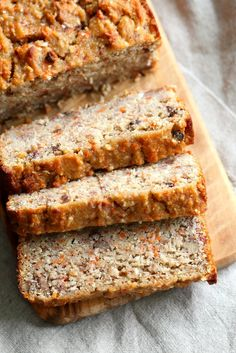 Looking around for delicious, gluten-free vegan recipes you can make at home? Come check out our list of the best gluten-free vegan recipes! Banana Carrot Bread, Gluten Free Banana Bread, Vegan Bread, Gluten Free Baking, Vegan Gluten Free, Gluten Free Recipes, Vegan Recipes, Carrot Cake, Diet Recipes