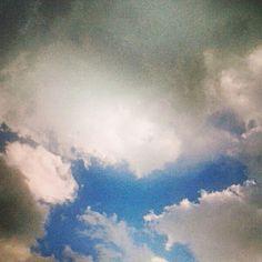 Bugün gökyüzü pek havalı ;)