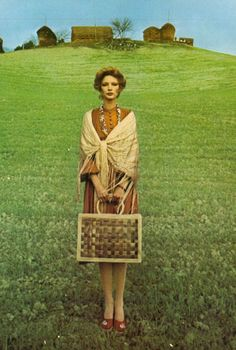 Karen Bjornson for Vogue UK, 1975. Photo by Oliviero Toscani.