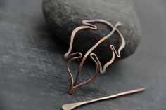 Petite leaf shawl pin scarf pin brooch fibula от Keepandcherish you were born for such a time Copper Jewelry, Copper Wire, Hair Jewelry, Jewellery, Jewelry Polishing Cloth, Wire Crafts, Birthday Gifts For Her, Beads And Wire, Wire Art