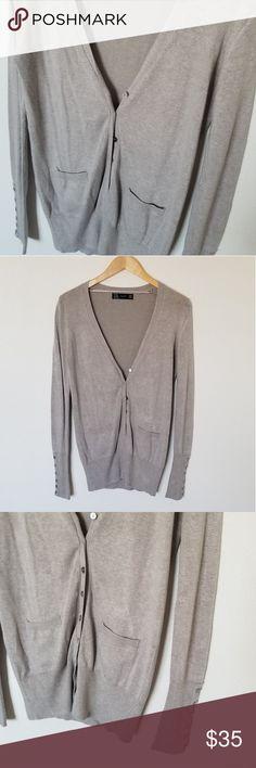 🖤 Zara Cardigan 🖤 Beautiful soft cardigan! Love the button detailing on the sleeves! Zara Sweaters Cardigans