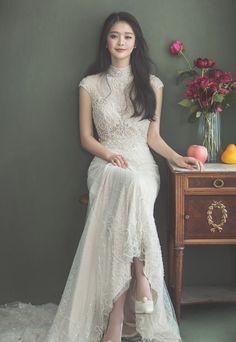 Up Collection Korean Pre Wedding Photoshoot, Wedding Poses, Korean Bride, Korean Wedding Photography, Bridal Photography, Photography Poses, Asian Wedding Dress, Korean Wedding Dresses, Before Wedding