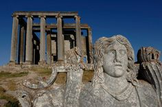 Temple of Olympian Zeus, Turkey.