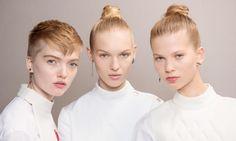 Trucco Dior Primavera Estate 2017: Foto Look - http://www.beautydea.it/trucco-dior-primavera-estate-2017/ - In anteprima tutte le foto del trucco Dior! Scopriamo le tendenze primavera estate 2017 dal backstage della sfilata Dior per la prossima stagione calda!
