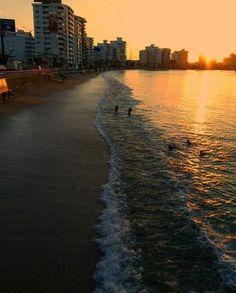 Las olas van y vienen pero mi amor por ti, nunca se muere ❤ @paradise_salinas_  @sunshineecuador  #salinasbeach #beach #atardecer #sunset #olas #malecon #playa #paisajesecuador #postalesecuador #horizon #photoofmoment #loveinphoto #photoonthebeach #ecuador #salinas #fotografiaecuador #spondylus #montereylocals #salinaslocals- posted by Camilo Andrés Carrasquilla https://www.instagram.com/camilo_carrasquilla98 - See more of Salinas, CA at http://salinaslocals.com