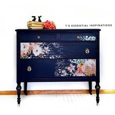 Repurposed Furniture Projects For Diy Lovers! Decoupage Furniture, Refurbished Furniture, Paint Furniture, Repurposed Furniture, Furniture Projects, Furniture Making, Furniture Makeover, Furniture Design, Furniture Legs