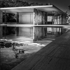 Barcelona Pavilion - Mies van der Rohe. Photo © Boris Santrac