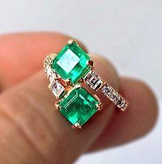 Emerald Ring Vintage, Emerald Jewelry, Emerald Diamond, Vintage Rings, Diamond Rings, Diamond Jewelry, Gold Jewelry, Jewelry Rings, Gemstone Rings