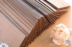 <3 estas invitaciones ya van de camino, listas para que esta parejita tan simpática que ha confiado totalmente en mí, y en mis diseños, las puedan repartir entre sus invitados... gracias I&R <3 #boda #invitaciones #invitaciones boda #detalles #eventos #personalizadas #handmade #kraft #love #invitados
