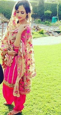 @nivetas Indian Attire, Indian Wear, Indian Outfits, Indian Dresses, Punjabi Fashion, Indian Fashion, Punjabi Suits Online Shopping, Asian Suits, Dulhan Dress