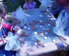 Bubble wrapped table for finger popping good time! LIKE IF U THINK WE SHOULD DO IT!!!!