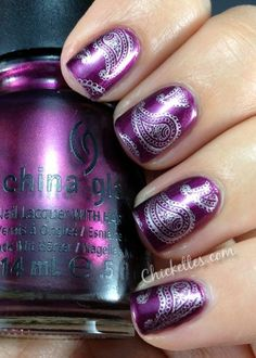 Purple Paisley Mani - This is China Glaze 'Stella' stamped with #ChinaGlaze 'Magical' (Stamp plate: #BundleMonster BM-315) #chickettes.com