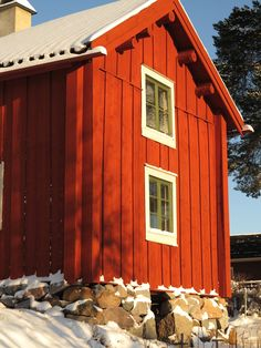 Scandinavian Cottage, Swedish Cottage, Wooden Cottage, Scandi Home, Red Cottage, Cottage Exterior, Exterior House Colors, Style At Home, Pole House