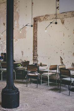 Shop, boutique, сafe, restaurant, оffice and other. **************************************Suède / Dans un ancien entrepôt : Kafé magazinet / Deco Restaurant, Rustic Restaurant, Restaurant Design, Café Bar, Cafe Interior Design, Cafe Design, Rustic Bedroom Blue, Rustic Nursery, Rue Verte