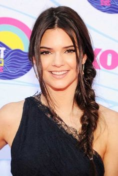 kendall-jenner-hairstyles-and-haircuts-7