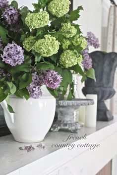 Spring with Green & purple bouquet in white pitcher from Living Room Decor Purple, Living Room Green, Living Room Colors, Living Rooms, French Country Bedrooms, French Country Living Room, French Country Cottage, Country Farmhouse, Cottage Style