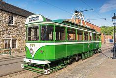 Light Rail, Blackpool, Coaches, Preston, Buses, Trains, Transportation, Modern, Trainers