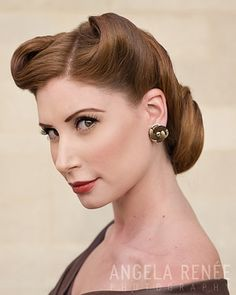 1940s Hair. Next time I am in a wedding and I have to have an updo, this is it.