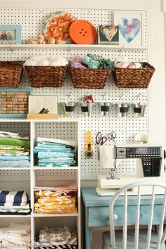 How to Organize a Craft Room Work Space is part of crafts Room Taller En Casa - This is full of amazing ideas for how to organize a craft room or creative work space using thrifty and cute storage ideas and a step by step process Sewing Room Organization, Craft Room Storage, Diy Storage, Storage Ideas, Pegboard Storage, Organization Ideas, Craft Rooms, Basket Storage, Ideas Para Organizar