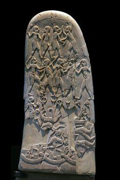 Fronte del manico del coltello di Gebel el-Arak. Rappresentazione di un combattimento fra due diversi gruppi etnici.    #MR