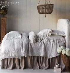 Bella Blog.: INTRODUCING WINTER WHITE: A NEW BEDROOM FAVORITE