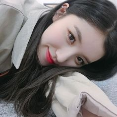 𝐬𝐢𝐲𝐞𝐨𝐧 𝐩𝐫𝐢𝐬𝐭𝐢𝐧 𝐚𝐞𝐬𝐭𝐡𝐞𝐭𝐢𝐜 pls give credit(╹◡╹)♡ Kpop Girl Groups, Korean Girl Groups, Kpop Girls, Extended Play, Kpop Aesthetic, Aesthetic Girl, Pledis Girlz, Sinb Gfriend, Ulzzang Korean Girl