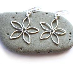 Silver Flower Earrings - Five Petal Daisy - Wire Wrapped Jewelry - Spring Fashion