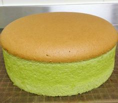 Pandan Spongecake Ingredients:- 6 eggs yolks – I used grade B eggs which is about corn oil plain flour Pinch of salt pandan juice coconut milk 6 eggs whites sugar Line the. Asian Desserts, Sweet Desserts, Sweet Recipes, Dessert Recipes, Pandan Chiffon Cake, Pandan Cake, Matcha Cake, Cake Cookies, Cupcake Cakes