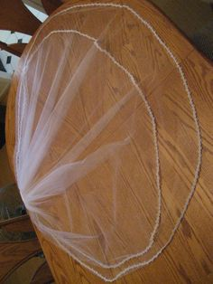 How to make a Wedding Veil: DIY | I hear these can be expensive. Good to know for someone in the future!