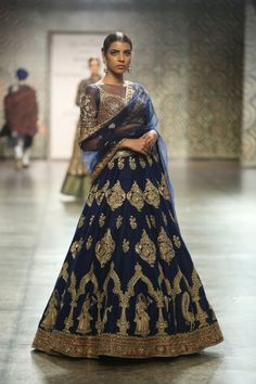 Rimple and Harpreet Narula at India Couture Week 2016 - Look 2 Pakistani Outfits, Indian Outfits, Indian Clothes, Indian Attire, Indian Wear, Choli Dress, Lengha Choli, Sharara, Anarkali