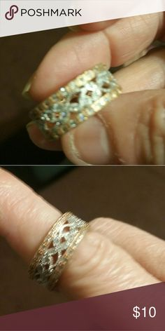 Costume jewelry ring Very attractive, silver and gold accent Jewelry Rings