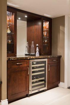 Basement Family Room and Bar - traditional - basement - toronto - BiglarKinyan Design Partnership Inc.