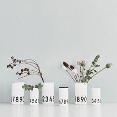 Design Letters Vaso Arne Jacobsen 0-9, piccolo   Arne Jacobsen   Vasi   Decorazioni   Finnish Design Shop