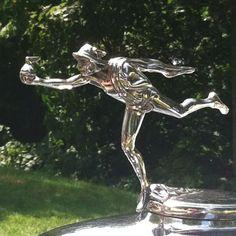 Beautiful vintage hood ornament Car Logos, Auto Logos, Vintage Cars, Antique Cars, Car Bonnet, Car Hood Ornaments, Radiator Cap, Cool Bikes, Cool Cars