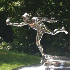 Beautiful vintage hood ornament