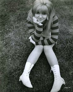 Pint sized blonde poppet Adrienne Posta in a publicity still for shithole Stevenage set romcom Here We Go Round The Mulberry Bush . 60 Fashion, Sixties Fashion, White Fashion, Retro Fashion, Vintage Fashion, Fashion Guide, Gothic Fashion, 60s Vintage Clothing, Vintage Outfits