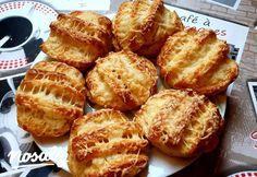 Isteni finom, omlós, sajtos pogácsa   Nosalty Organic Matter, Sweet And Salty, Pretzel Bites, Baked Potato, French Toast, Food And Drink, Favorite Recipes, Homemade, Snacks