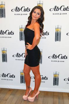 Get breaking celeb and entertainment news, photos, and videos about all your favorite Hollywood stars from Wetpaint. Snooki And Jwoww, Hollywood Stars, Fitness Inspiration, Beautiful People, Dressing, Celebs, Skinny, Sexy, Hoe