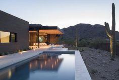 Rammed Earth Modern House by Brent Kendle_03_delood.jpg