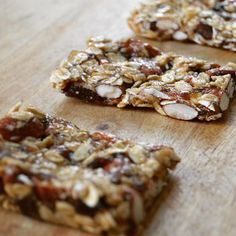 It's #snack time  how about some #homemade #granola #bars? Recipe coming soon... #veganfood #vegan #vegansofNY #nyceats #plantbased #plantpower #healthy #healthylifestyle #norefinedsugar #glutenfree #dairyfree #crueltyfree #foodblogger #instafood #blogger_lu #food52