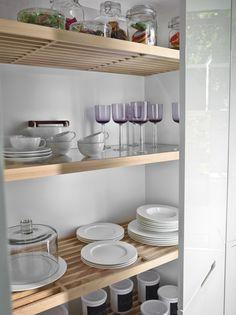 Cocina SANTOS #Cociart #cocinassantos #cocinasblancas #minos #brillodirecto #cocinalacada #isla #diseñodecocinas #interiordesign #interiorismo 20 M2, Home Fashion, Interiores Design, Accounting, Interior Decorating, Kitchens, White Kitchens, White Colors, Organize