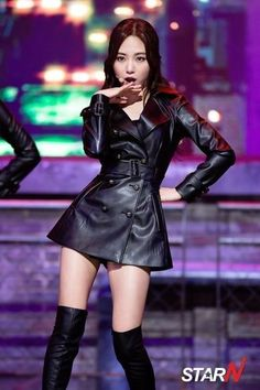 Asian black leather trench minidress OTK boots Korean Beauty, Asian Beauty, Asian Woman, Asian Girl, Kpop Costume, Cute Girl Dresses, Sexy Latex, Leather Dresses, Stage Outfits