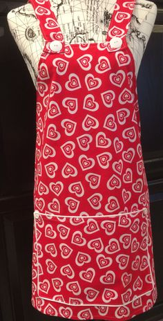 Valentine's Day Cross Back Apron Red White Hearts Apron by TheSisterhoot on Etsy Valentine Special, Valentines Day, Apron Designs, Aprons Vintage, Me Clean, Red And White, Sewing Projects, Hearts, Cool Stuff
