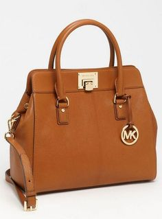 This would be my next bag,comfy and casual!