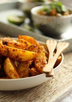 Dans la cuisine de Sophie: Potatoes à l'indienne. (http://danslacuisinedesophie.blogspot.fr/2012/06/potatoes-lindienne.html)