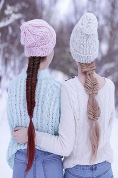 Dutch lace braids into an intricate five strand❣ Beanie Hairstyles, Casual Hairstyles, Latest Hairstyles, Messy Hairstyles, Pretty Hairstyles, Amazing Hairstyles, My Fantasy Hair, Extensions, Stylish Hair
