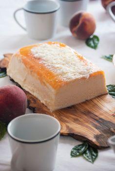 La asaltante de dulces Receta de tarta helada de melocotón y chocolate blanco/ No bake peach & white chocolate cake recipe