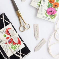 Get ready for the first day of Spring with this DIY garden marker and Spring place setting. Learn how to make a garner marker from air dry clay. Faux Flowers, Diy Flowers, Diy Garden Projects, Garden Crafts, Outdoor Projects, Craft Projects, Plant Markers, Diy Clay, Diy Design