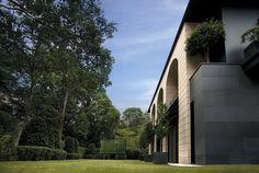 Villa  CHATSWORTH BY KRI:EIT ASSOCIATES SINGAPORE HOUSE EXTERIOR KRIEIT by The Mill Singapore, via Flickr
