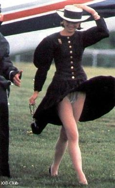 dazzledent: Remembering Diana, Princess of Wales. It's hard to believe that today would have been her birthday. Princesa Diana, Lady Diana, Oops Slip, Princess Diana Dresses, Wind Skirt, Celebs, Celebrities, Get Dressed, Royals